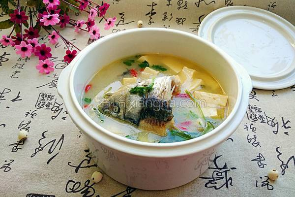 鲫鱼头豆腐汤的做法
