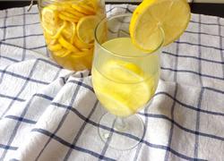自制柠檬蜂蜜水
