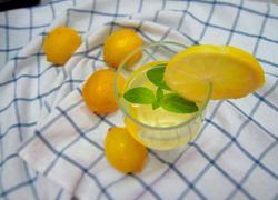 柠檬薄荷水