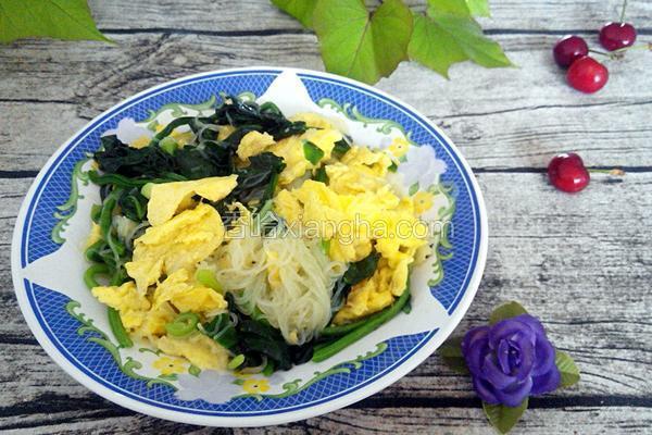 菠菜鸡蛋炒粉丝