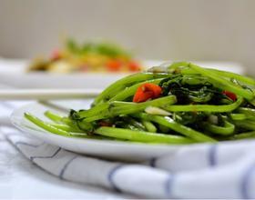蒜炒茼蒿[图]