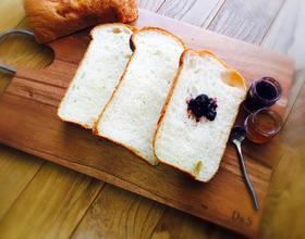 面包机版奶香吐司