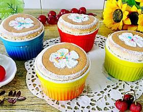 鲜奶油椰香杯子蛋糕