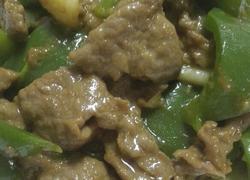 嫩滑牛肉炒青椒