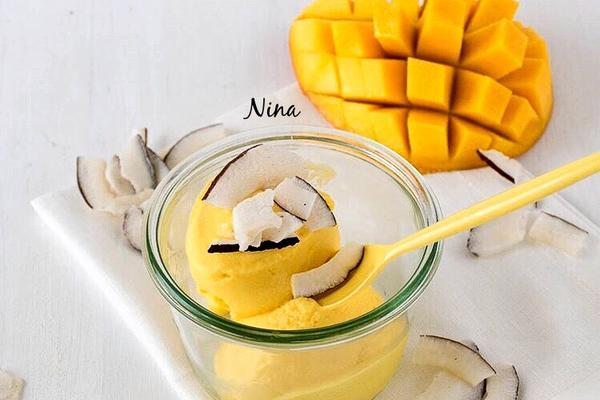 蛋奶芒果冰激凌