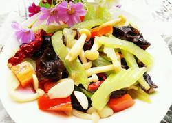 牛肉香菇炒芹菜