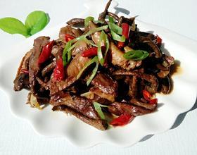 鸡翅炖蘑菇[图]