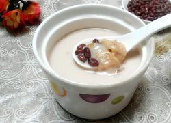 牛奶炖花胶