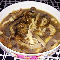 茶树菇猪肚汤的做法[图]