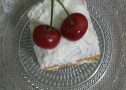 樱桃奶油蛋糕