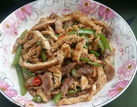 家常油豆腐炒肉