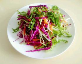 紫甘兰拌苦菊