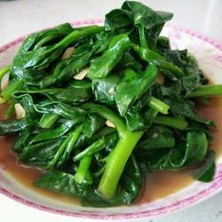 蒜片炒耳子菜