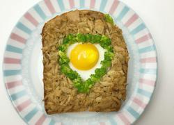 金枪鱼鸡蛋烤面包
