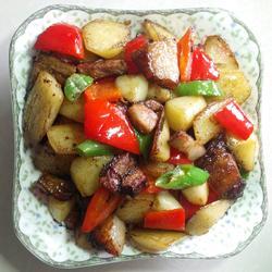 土豆蒜子烧扣肉