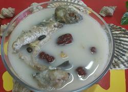大枣黑豆炖鲤鱼