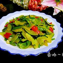 辣椒炒嫩南瓜的做法[图]