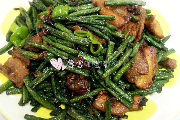 肉炒蒜香豇豆