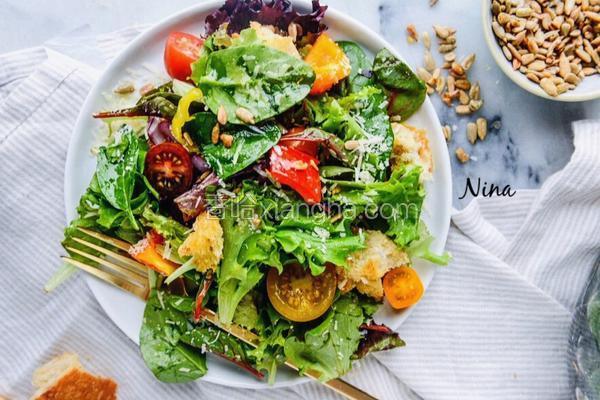 圣女果蔬菜沙拉