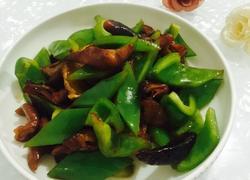 青椒炒熏肥肠