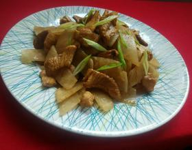 白萝卜炒肉片