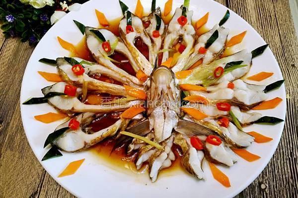 蒸排骨的家常做法_清蒸孔雀开屏鱼的做法_菜谱_香哈网