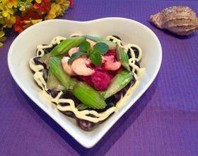 火龙果海鲜沙拉