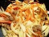 洋葱胡萝卜炒肉的做法[图]