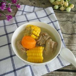 排骨玉米胡萝卜汤的做法[图]