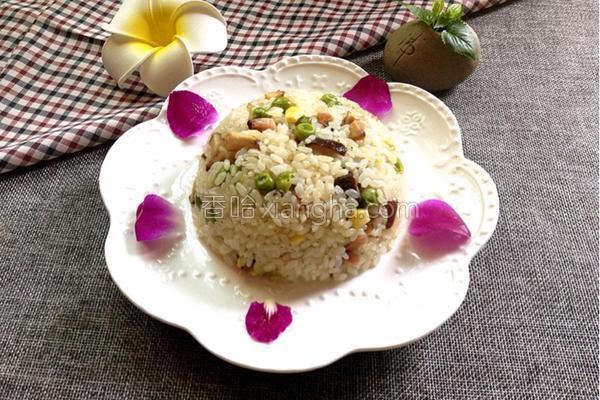 腊肉糯米饭的做法