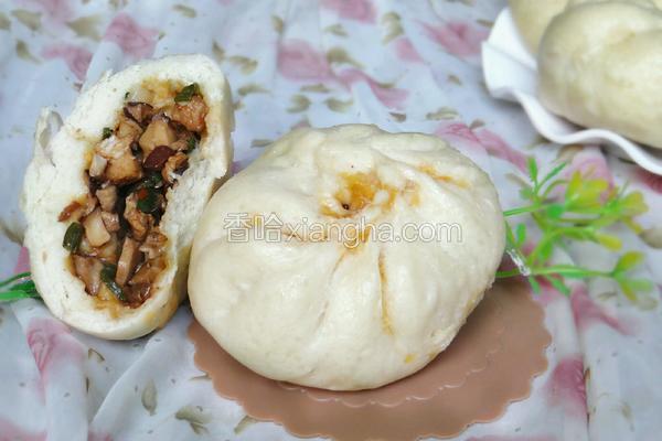 香菇卤肉包子
