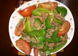 牛肉炒青椒西红柿