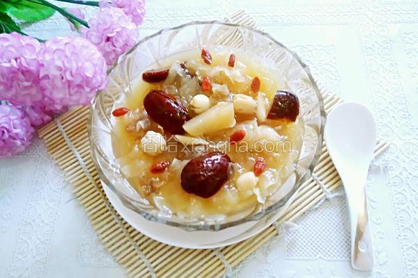 白木耳莲子红枣汤