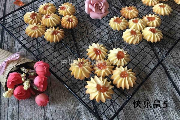 草莓饼干的做法