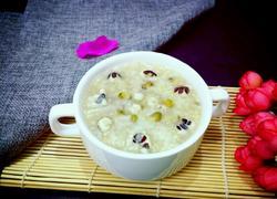 绿豆薏米芡实粥