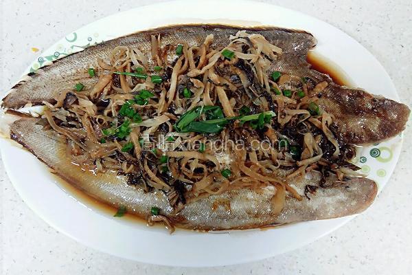 梅干菜蒸板鱼