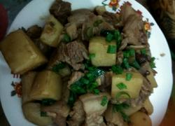 煮猪肉土豆