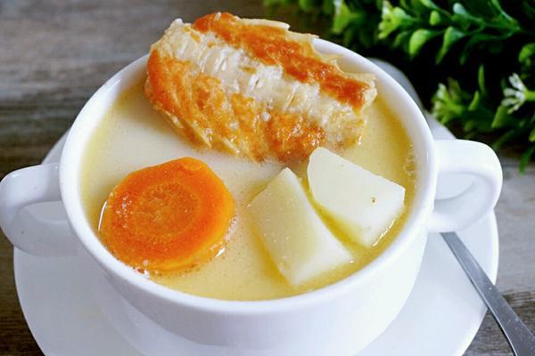 三文鱼骨汤