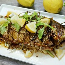 傣味香茅草烤鱼的做法[图]
