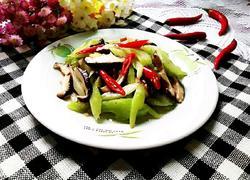 西芹炒香菇