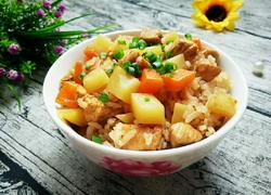 土豆鸡肉焖饭