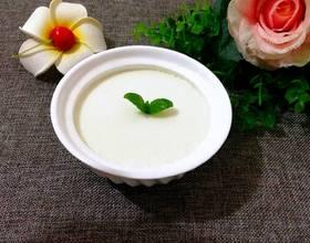 鲜奶炖蛋白