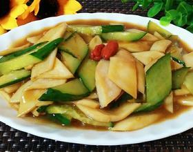 黄瓜炒杏鲍菇