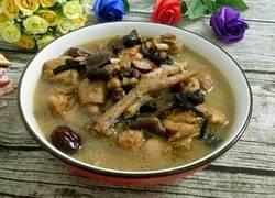 野蘑菇炖鸡