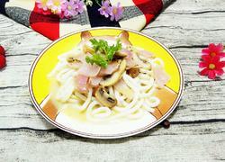 奶油蘑菇拌乌冬