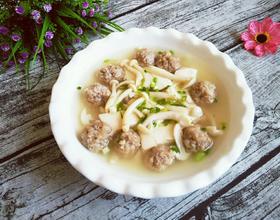 鲜菇豆腐汤