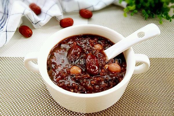 黑米糯米圆红枣粥