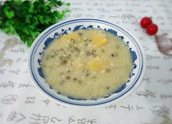 绿豆麦仁小米红薯粥
