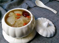 银耳梨子红枣汤