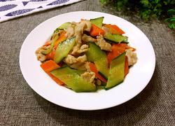 胡萝卜黄瓜炒肉片